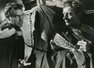 Edmund O'Brien and John Gielgud in Julius Caesar